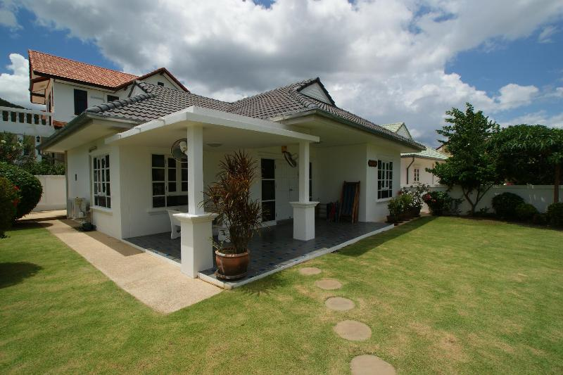 Greenacres Villa- Beautiful 3 Bedroom Villa - Image 1 - Hua Hin - rentals