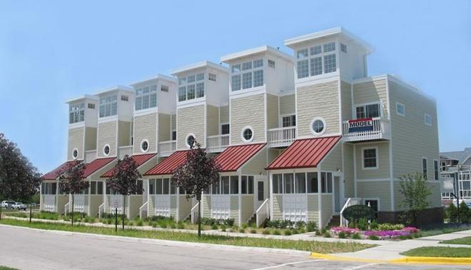 Exterior - New Buffalo Downtown, Pool Acces & Walk to Beach - New Buffalo - rentals