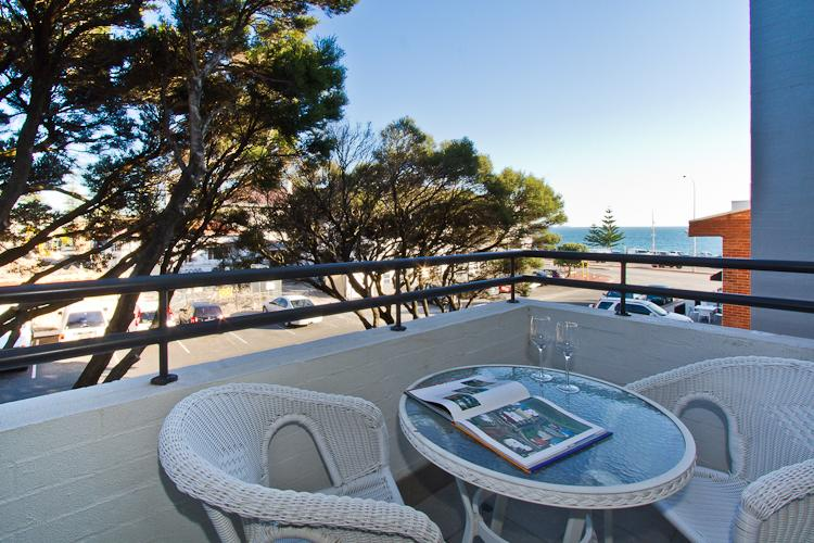 Balcony with view - Cottesloe Samsara Apartment - Perth - rentals