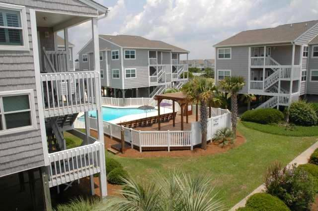 Channel Harbor A-1 is a great one bedroom one bath condo for small families and couples. Free Wi-Fi!