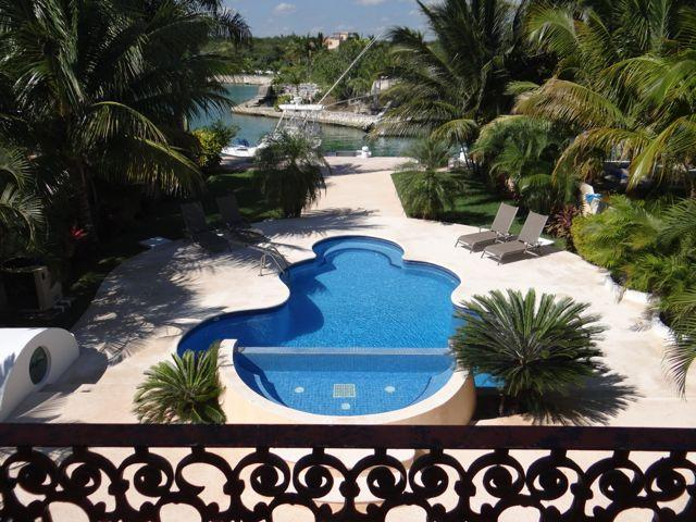 MASTER BALCONY VIEWS - Gorgeous 5/6 Spacious Waterfront Villa with Kayaks - Puerto Aventuras - rentals