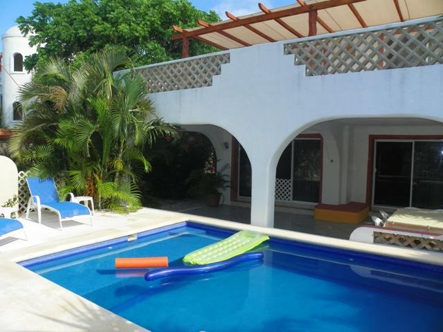 Casa Tucan Front with swimming pool and 2 large terraces