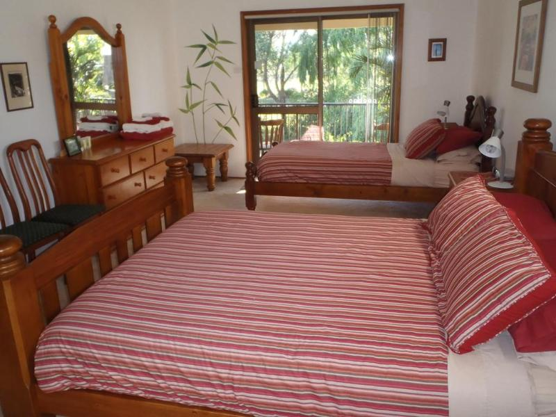 Willow Room with queen and king single beds