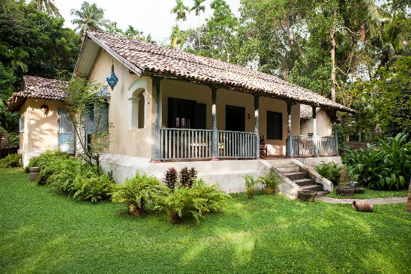 The Front of the House  - Charming Courtyard House - Galle - rentals