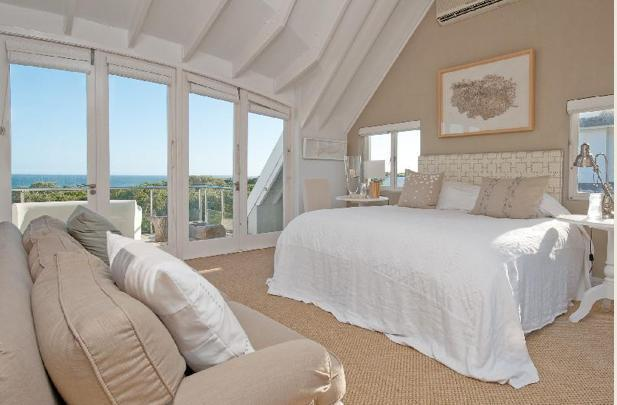 Main bedroom with sea and mountain view