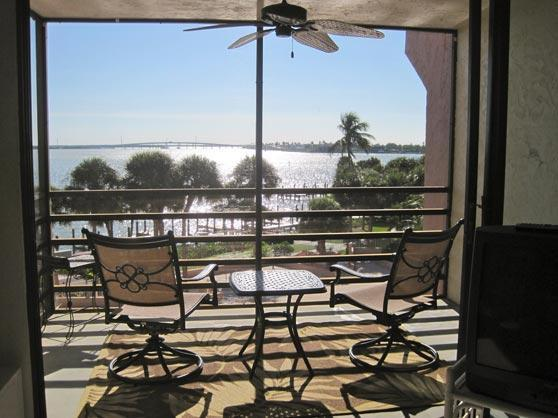 Enjoy a relaxing drink on the lanai while watching the boats go by.