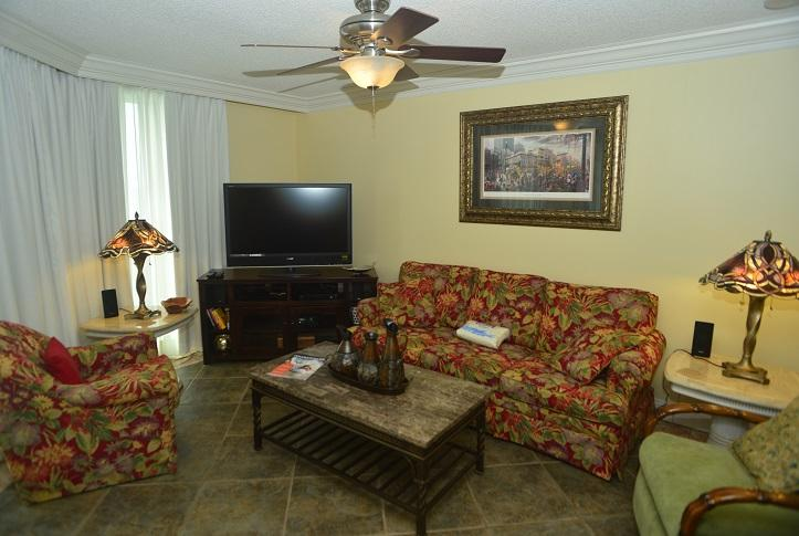 Entertainment Center with Flat Screen,Surround Sound, DVD, Blue-Ray
