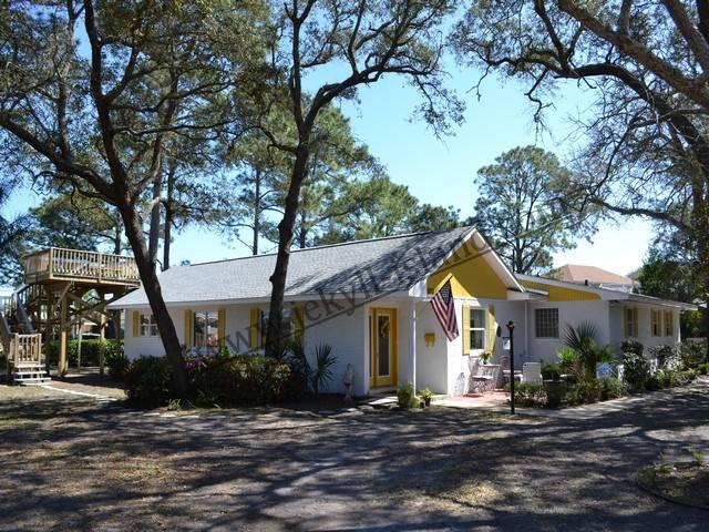 HAPPY DAYS COTTAGE - Image 1 - Jekyll Island - rentals