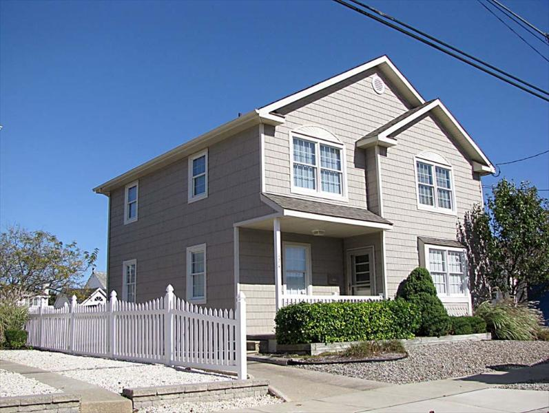 124 94th Street Stone Harbor NJ 08247 Beach Vacation Home Front Exterior