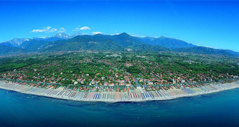 touristic picture (versilia coast view)