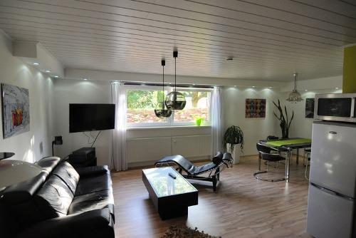 Vacation Apartment in Kassel - 646 sqft, quiet location, warm, modern (# 2914) #2914