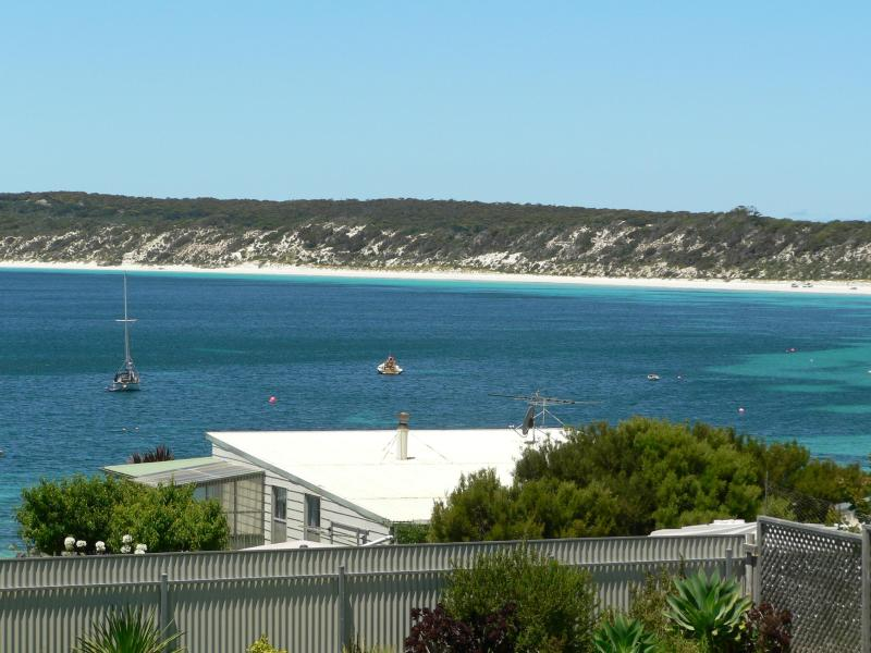 Stunning beach & ocean views from the sundeck - Fareview Beach House - Kangaroo Island - rentals