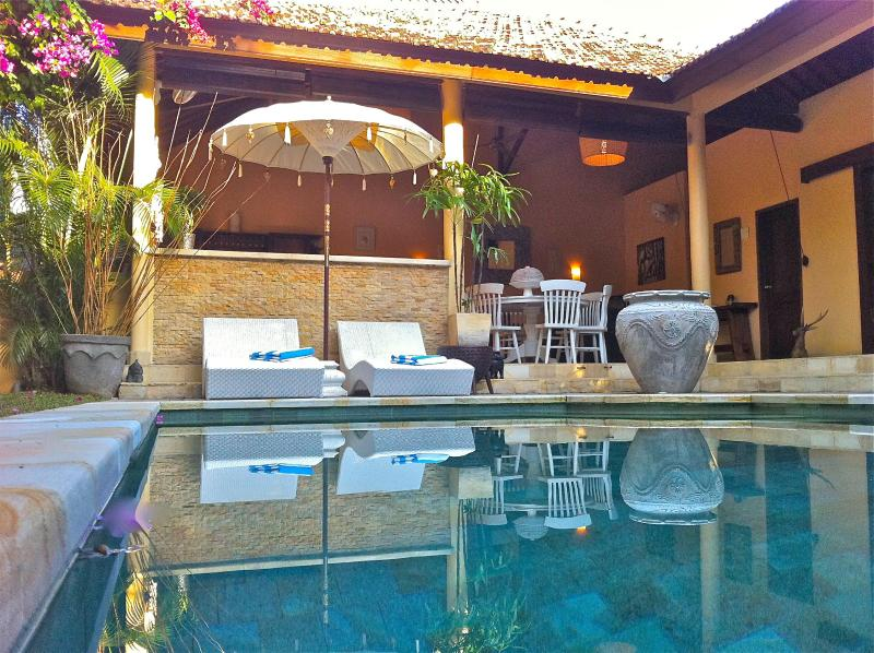 Villa Tully Pool & Open Living Area - Villa Tully in the heart of Seminyak Oberoi - Kuta - rentals