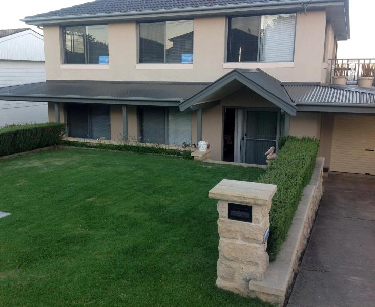 Front Entrance - 5 Bedroom house, walking distance to Kianga Beach - Narooma - rentals