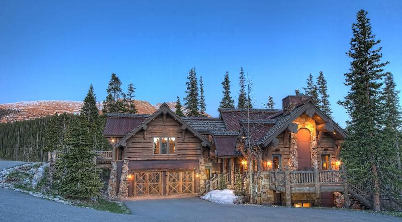 Goldenview Chalet