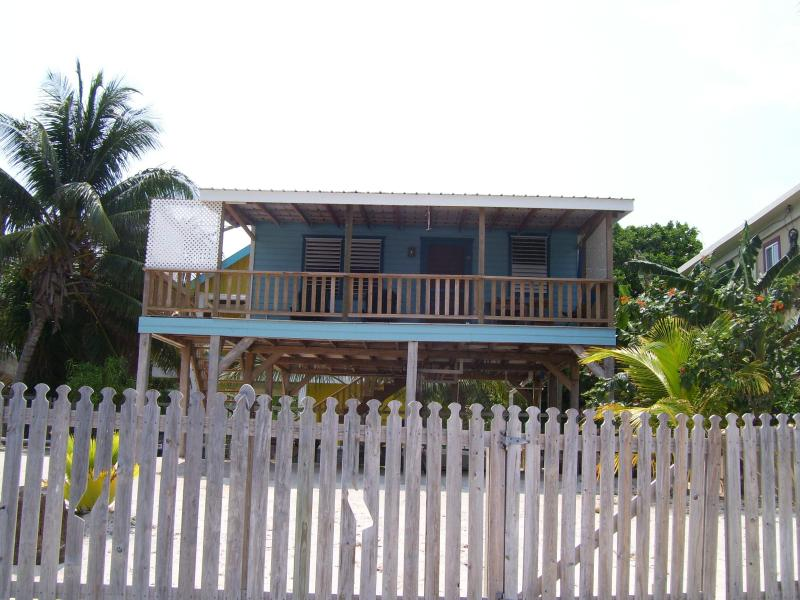 Carolyn's Other House - Beachfront studio cottage - Image 1 - Caye Caulker - rentals