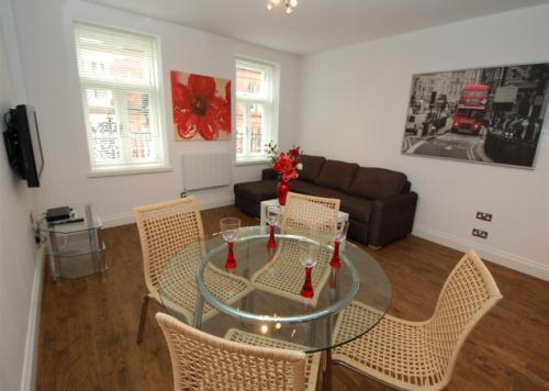 Wonderful Value Trafalgar Square Apartment - Image 1 - London - rentals