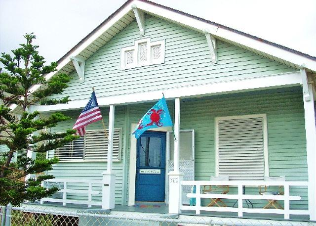 Castaway Cottage - Image 1 - Galveston - rentals