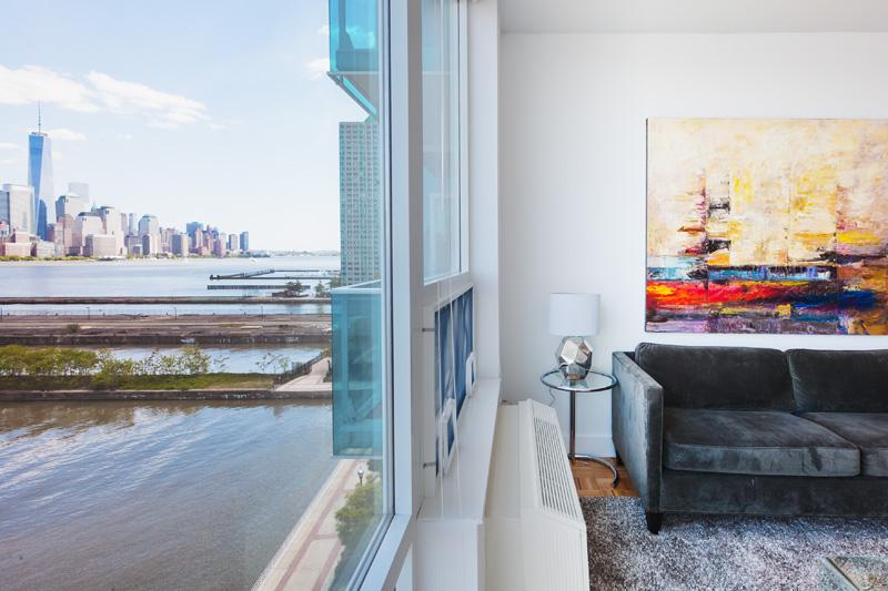 Queen size sofa bed in the living room - Sky City at Aquablu - 2 bedroom- Private balcony- Manhattan views !! - Jersey City - rentals