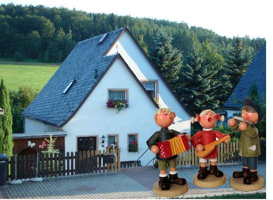 Vacation Apartment in Seiffen - quiet, nice view, comfortable (# 3244) #3244