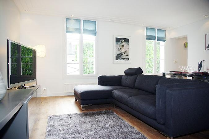 7th Arrondisement 2 bedroom 2 bathroom with Balcony (4171) - Image 1 - Paris - rentals