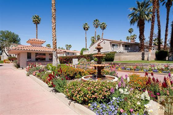 entrance into Mesquite  - BEST LOCATION Beautiful 2 bdrm Mesquite Golf Condo - Palm Springs - rentals