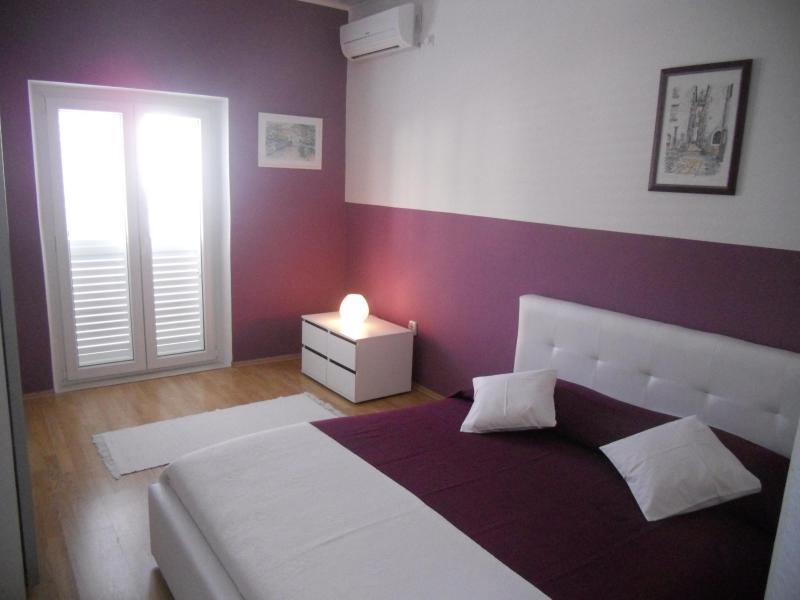 Bedroom - 1 bedroom apt - above the beach-terrace sea view - Korcula Town - rentals