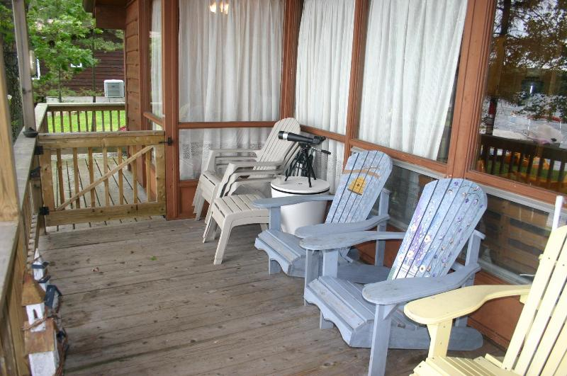 Child Friendly 3 Bedroom on Lower Buckhorn Lake - Image 1 - Buckhorn - rentals