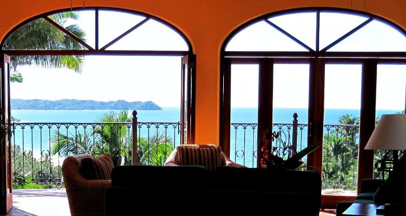 VILLA DE VISTAS -- Large (8200 sq ft), three separate houses, stunning views, close to beach.
