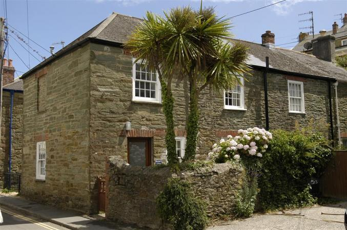 Boatman's Cottage, a traditional end of terrace fisherman's cottage located just 30 yards