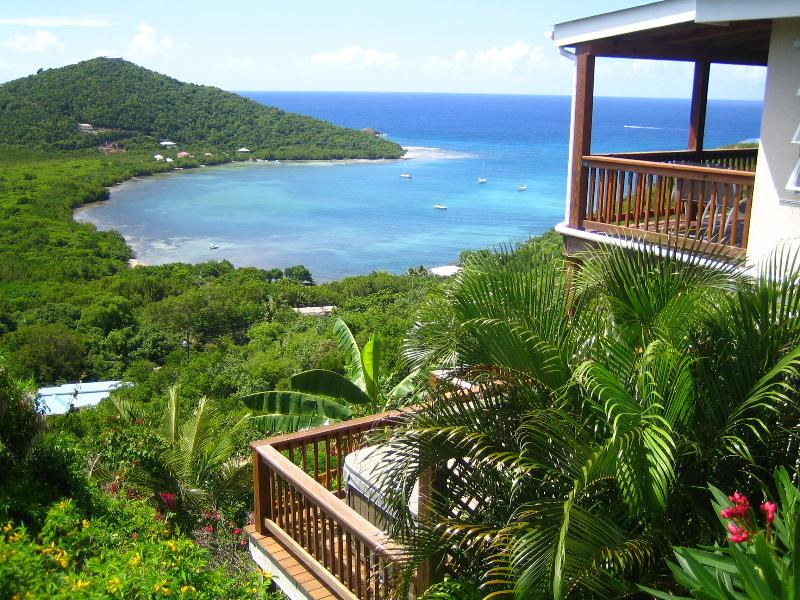 Two large decks with stunning views, with hot tub on lower deck - San Costanzo, beautiful St. John villa - Saint John - rentals