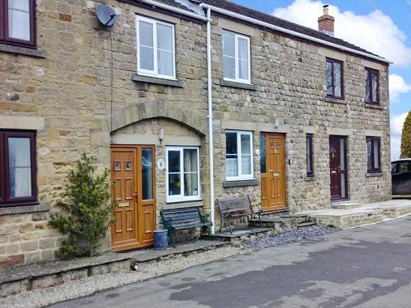 4 CROWN COURT YARD, stone-built cottage, romantic retreat, pet friendly, parking, in Grewelthorpe, Ref 19821 - Image 1 - Grewelthorpe - rentals