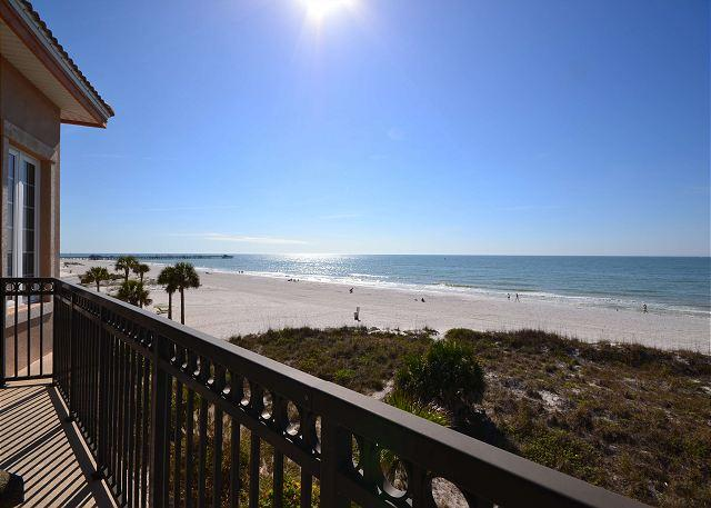 Luxury Gulf Front Townhome sleeps 10 - Small Dog Friendly! - Image 1 - Redington Shores - rentals