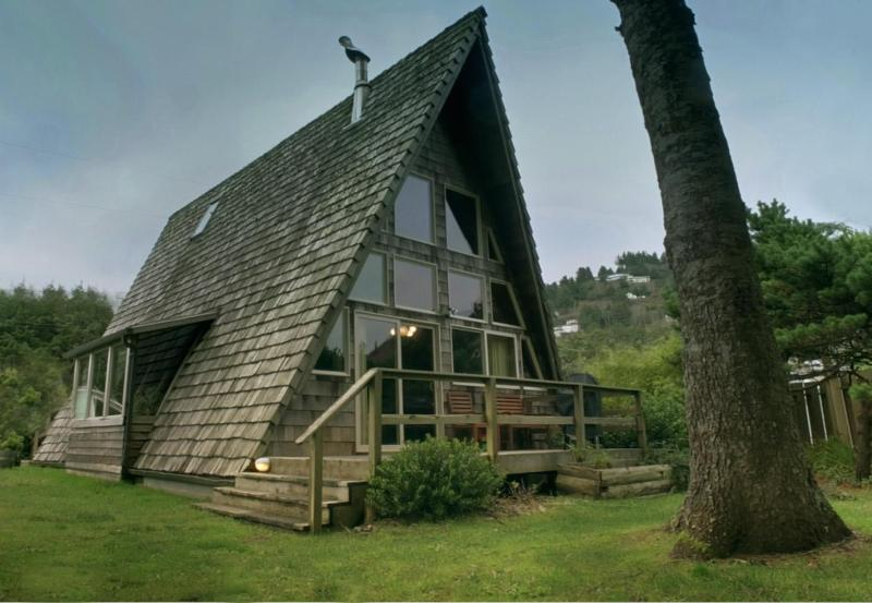 The Rock Park A-Frame in Yachats!