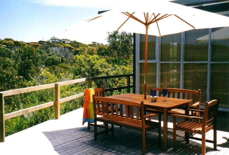Front entertaining deck with bushland views