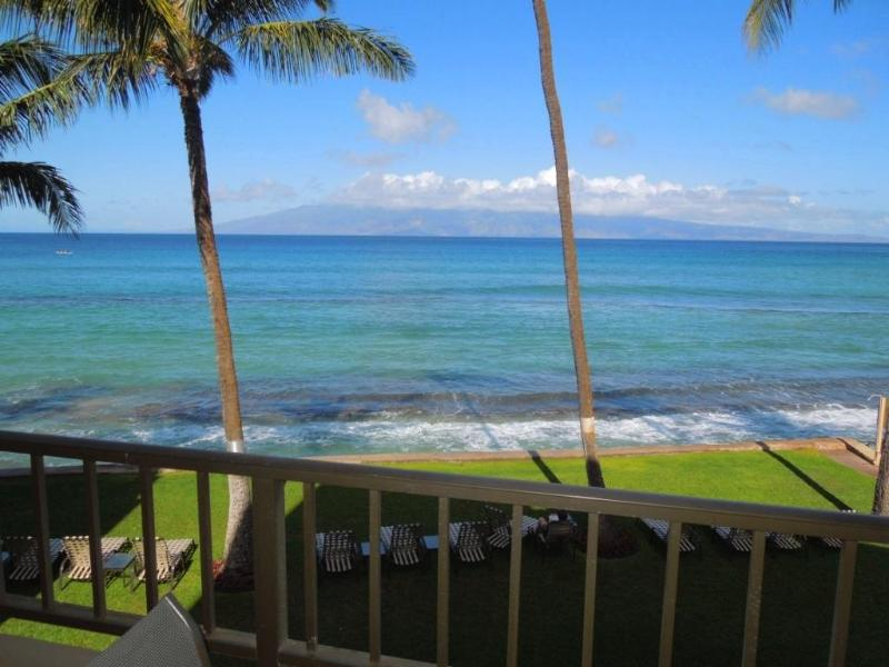 Amazing oceanfront views the minute in the door - **CALL FOR AVAILABILITY & RATES** OCEANFRONT 2Bdrm - Kaanapali - rentals