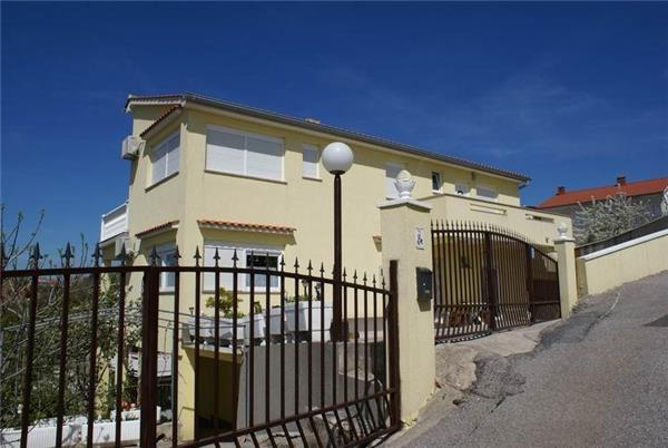 Apartment for 2 persons near the beach in Krk - Image 1 - Krk - rentals