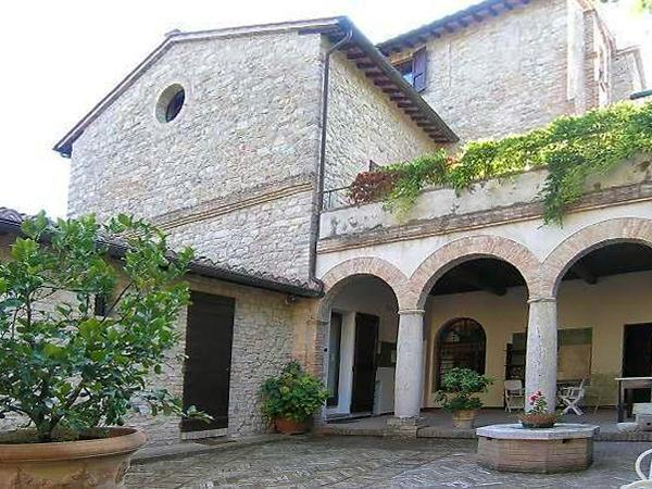 Attractive apartment for 8 persons, with swimming pool , in Lake Trasimeno - Image 1 - Mantignana di Corciano - rentals