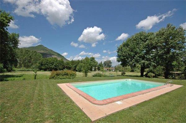 Attractive apartment for 2 persons, with swimming pool , in Lucca - Image 1 - Lucca - rentals