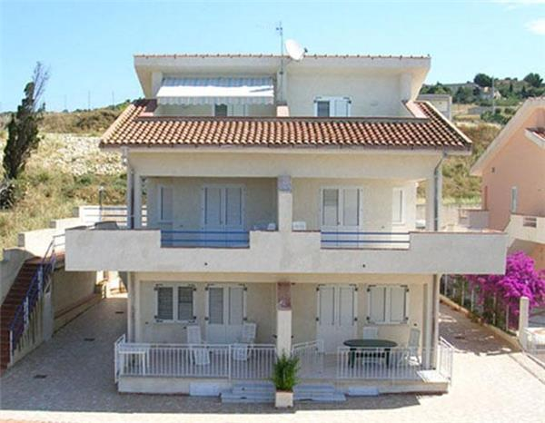 Holiday house for 4 persons near the beach in Sciacca - Image 1 - Sciacca - rentals