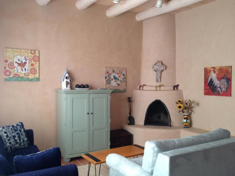 living room - Casita Bonita: Romantic, Immaculate and Charming! - Taos - rentals