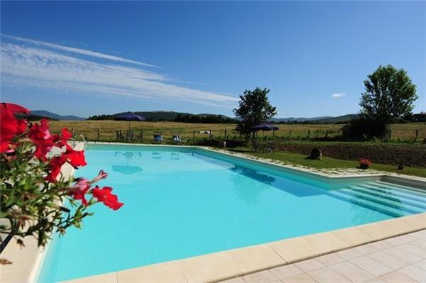 Apartment for 4 persons, with swimming pool , in Lake Trasimeno - Image 1 - Passignano sul Trasimeno - rentals