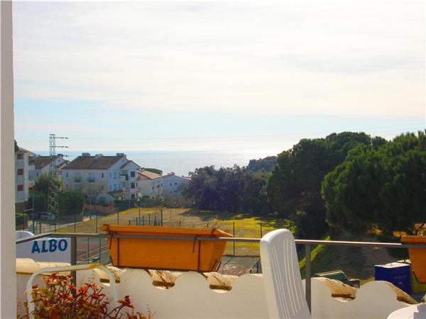 Attractive apartment for 4 persons near the beach in Calella de Palafrugell - Image 1 - Calella De Palafrugell - rentals