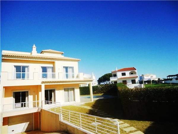 Holiday house for 8 persons, with swimming pool , near the beach in Galé - Image 1 - Albufeira - rentals