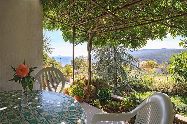 Attractive apartment for 5 persons in Rabac - Image 1 - Rabac - rentals