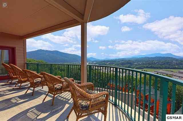Huge Wrap-Around Balcony with Spectacular Mountain Views