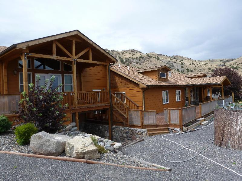 Mile High Vista features stunning views and a stunning deck to enjoy them.