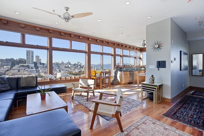 Living / Dining with Huge Views