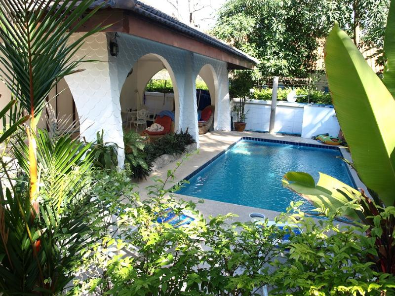 VILLA ROSE - WALKING STREET IN 5 MINUTES - Image 1 - Pattaya - rentals