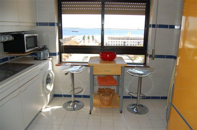 Great equipped kitchen with sea view